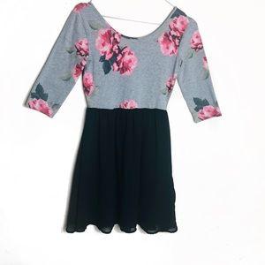 EUC H&M Floral Skater Dress Size 4